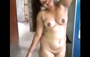 Mallu aunty getting in one's birthday suit