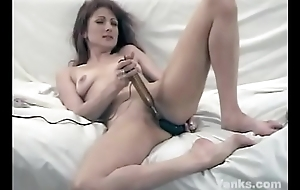 Lovely Yanks Patience Masturbating