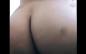 Mi novia me muestra el culo por pic