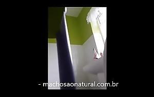 C&acirc_mera escondida flagrou pai mijando - machosaonatural.com.br