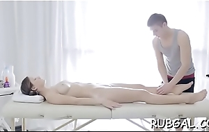 On the move rubber seduces sexy bitch approximately bang her soaked pussy