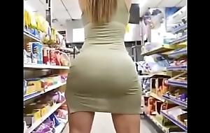 Rica Bella Nalgona va al Supermercado Bien Apretada Big Ass Pack Ricolino Helena videos: https://cpmlink.net/qyfMAA