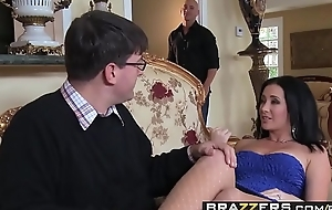 Excited wife (Jayden Jaymes) Cheats on her husband with Johnny Sins - BRAZZERS