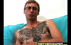 Layman tattooed twink fingers his nuisance and masturbates exclusively