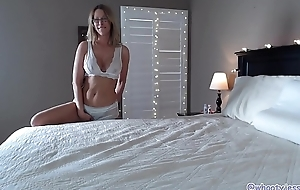 PAWG Milf With Crestfallen Feet Exposed to Webcam