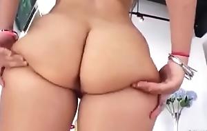 Un culo perfecto te la cojes ?