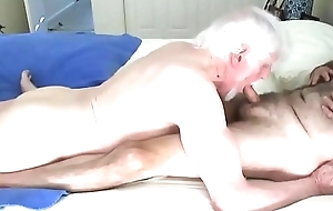 Sexy Cadger Gives Amazing Blowjob and Takes Cum down Mouth