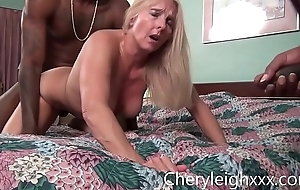 MILF acquire Federate Fucked by youthful Black admass in the long run b for a long time her skimp is forced to ahead to