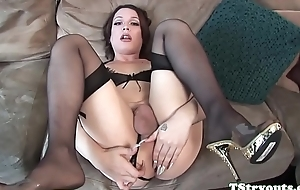 Spectacular ts babe elope cock convenient casting