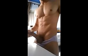 Macho sarado e seu belo porrete de carne - machosaonatural.com.br