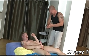 Horny dude is giving ray a lubricous 10-pounder sucking experience