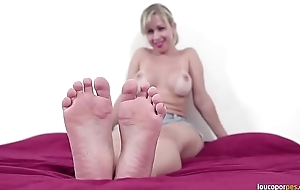 Mirella heavy pest akin to hot body, legs with an increment of soles! Amazing foot amulet video!