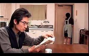 Mujer puta japonesa follada delante de su marido (Completo: bit.ly/2Pf0ULE)