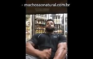 Caixa da loja do posto dando gozadinha - machosaonatural.com.br